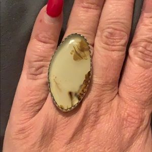 Large ring. Montana agate